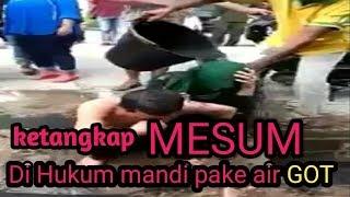 Download Video VIRAL - Ketangkap berbuat MESUM di hukum mandi air GOT...!!! MP3 3GP MP4