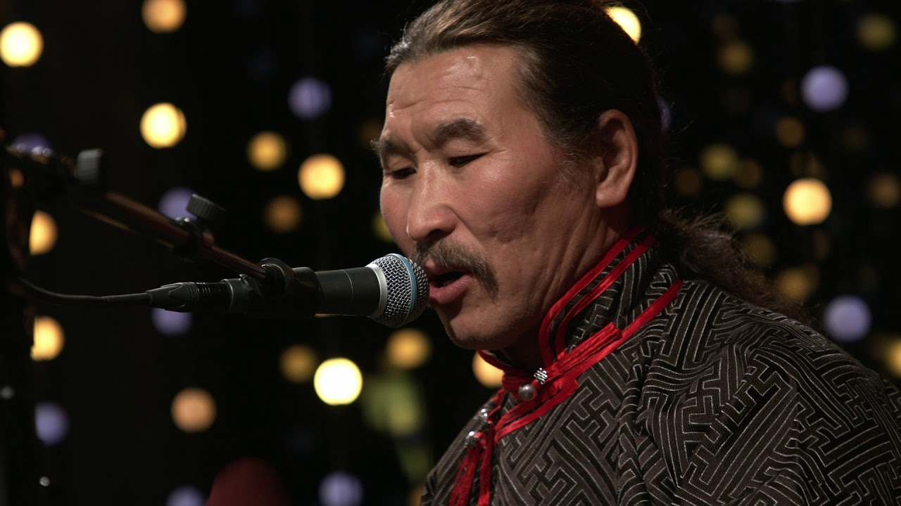Advertiser ie - Huun-Huur-Tu - throat singing and trad from