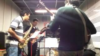 Atractor Caótico  quinteto ensayo tema Atractor Caótico