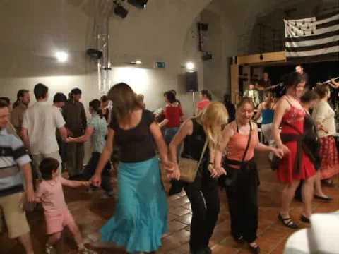 Fest noz gouel erwan dans keff youtube for Dans keff