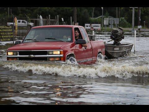 مصرع إمرأة امريكية جراء فيضانات واسعة تضرب البلاد  - نشر قبل 41 دقيقة