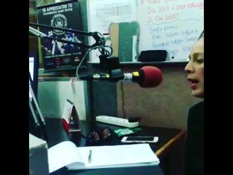 Didie Alias mempromosikan JUS ANASERA di Radio Sabah FM