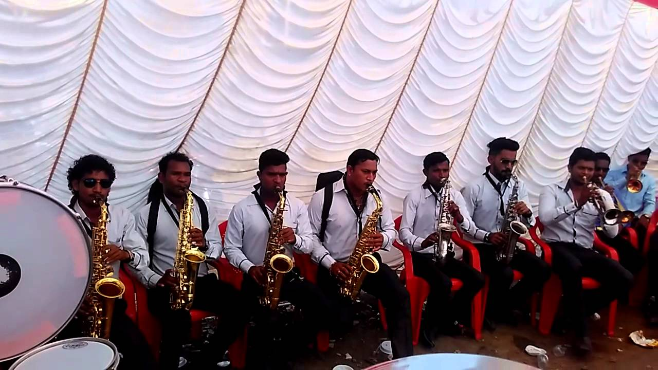 aai gavdevi brass band mp3