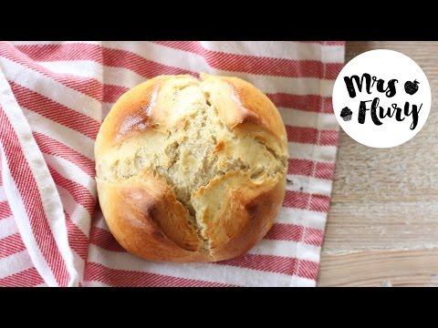 schweizer-1.-august-weggen- -leckere-hefeteig-brötchen-rezept- -mrs-flury