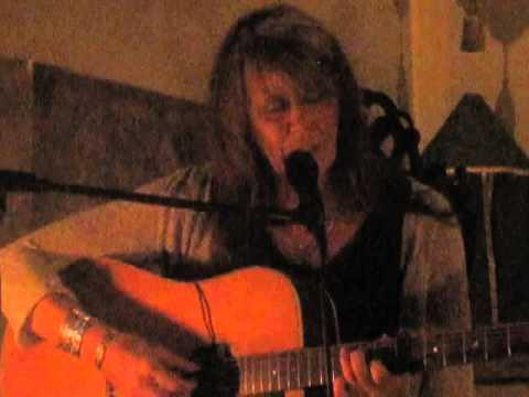 Vashti Bunyan - Train Song (Live @ St Pancras Old Church, London, 09/10/14)
