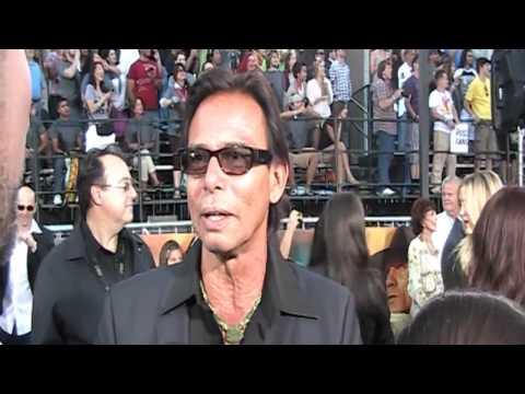 Cowboys & Aliens   Red Carpet    Raoul Trujillo