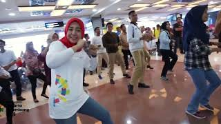 Download lagu FLASH MOB - ENERGY 0F ASIA - MINANGKABAU AIRPORT