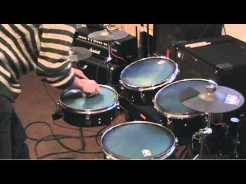 Diy electronic drums with alesis d4 youtube diy electronic drums with alesis d4 solutioingenieria Images