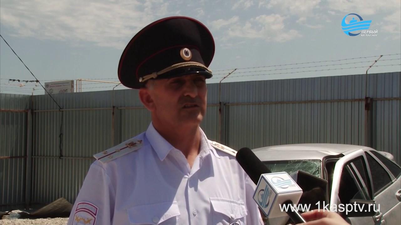 ДТП со смертельным исходом.  В Каспийске мужчина без видимых причин влетел в столб