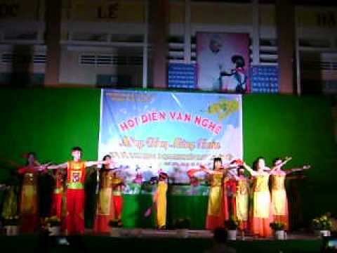 Hào Khí Việt Nam THCS Phú Lộc Tập Thể Lớp 9/8