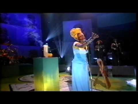 Erykah Badu Next Lifetime live on Jools Holland 1997