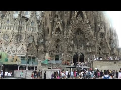 Barcelona -Sagrada Familia Exterior & Square 巴塞隆納 聖家堂外觀及外面廣場