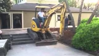 Climbing excavator