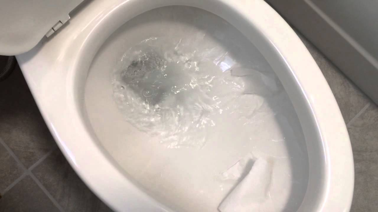 Gerber maxwell rear outlet toilet youtube for Gerbiere toit