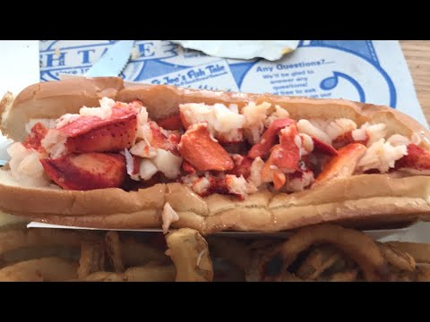 Lobster Roll Review Lenny and Joe's Fish Tale New Haven Connecticut