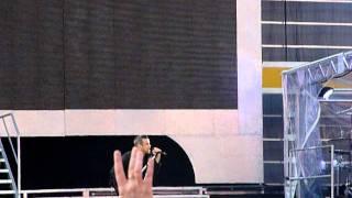 Robbie Williams @ Hampden Park Entrance (23/06/11) - Let me entertain you