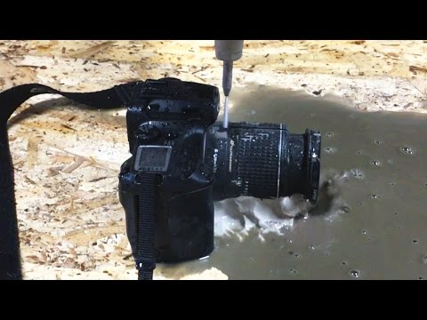 Cutting An SLR Camera With A 60,000 PSI Waterjet - Video