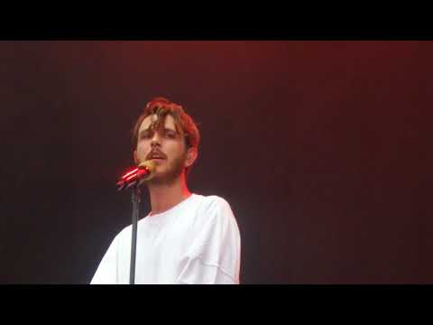 Oscar and the Wolf - So Real @ Main Square Festival