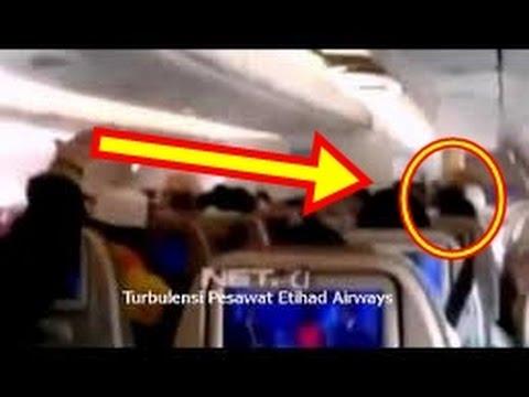 PESAWAT ETIHAD TURBULENSI - video amatir detik detik turbulensi WAJIB LIHAT !!