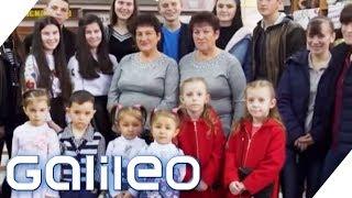Unglaublich! 124 Zwillinge in einem Dorf! Was ist die Ursache? | Galileo | ProSieben