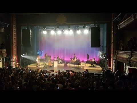 Florence + The Machine - Hunger - Live @VictoriaTheatre Halifax 2018