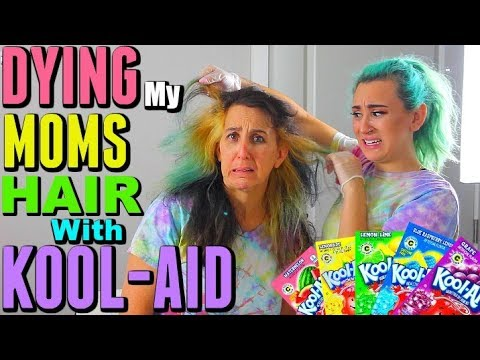 DYING My MOMS HAIR With KOOL AID!