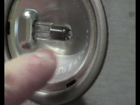 How To Replace A Cooker Hood Halogen Bulb Or Lamp Youtube