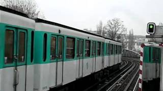 Paris Metro パリメトロ2号線MF67系電車Jaurès駅到着