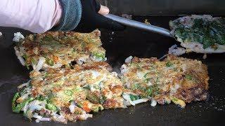 Seafood and Green onion pancake (Haemul-pajeon) - Korean street food