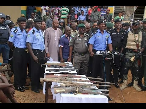 Police arrest 32 suspects for kidnapping at Abuja-Kaduna highway (photos)