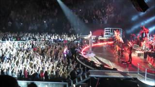 Robbie Williams - Let Me Entertain You - Sydney 27/10/15