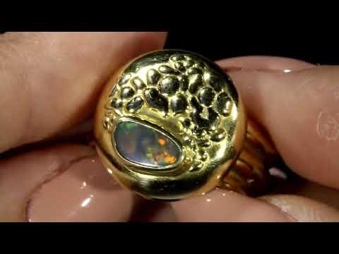 Мужское золотое кольцо с опалом