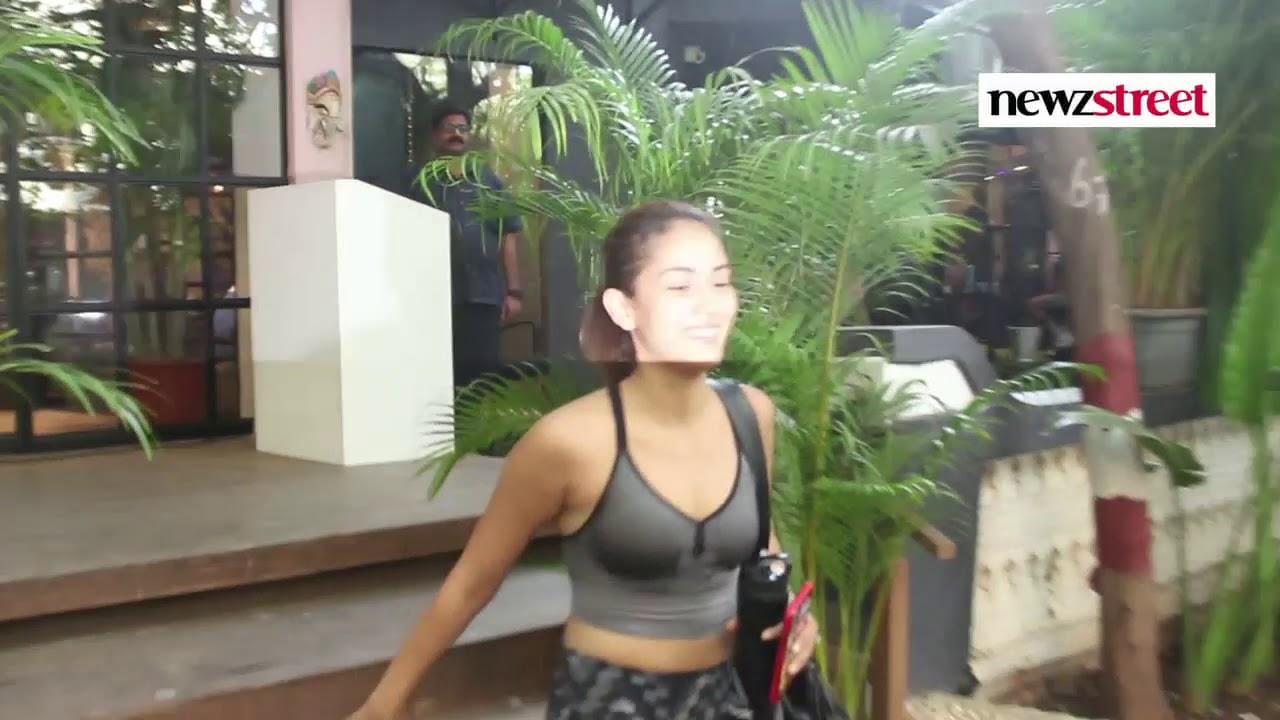 Mira Kapoor Spotted Antigravity Gym At Pali Hill Bandra ...