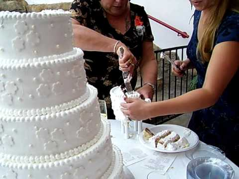eating wedding cake 1 year later don t eat the wedding cake 13870