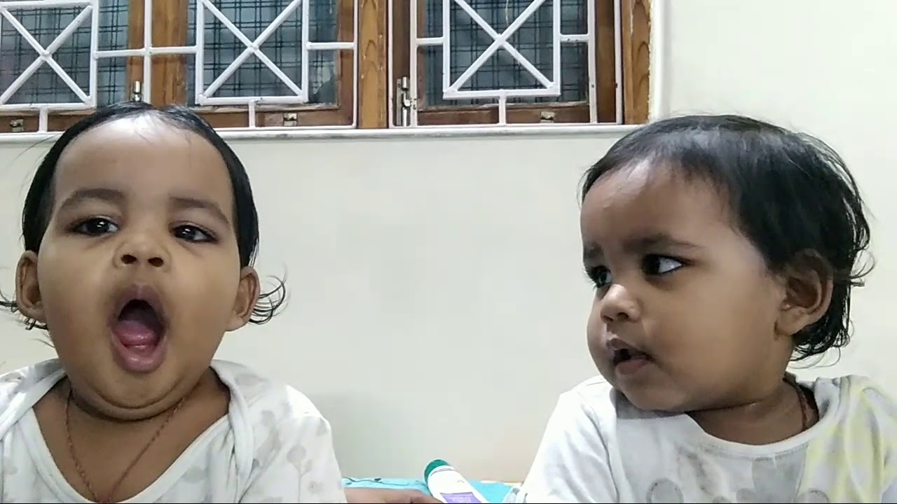 Twins at there best - YouTube