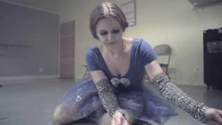 Little Boots - Shake (Music Video)