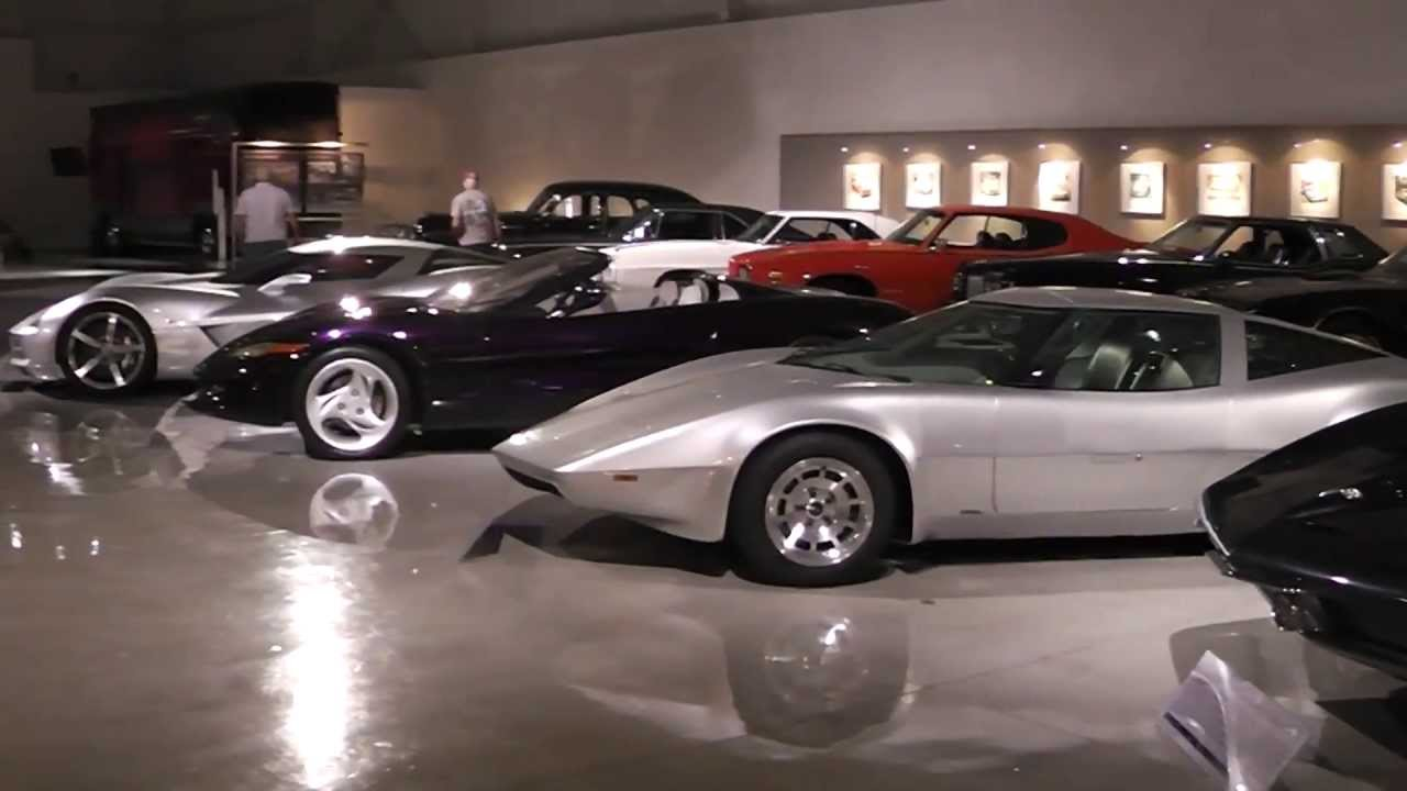 Vintage Motors Usa Car Club Visits The Gm Heritage Center