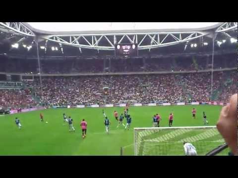 Coro Ultras Juventus: Gol la Juve gol fino al novantesimo...mp4