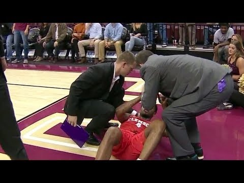 Clemson's Shelton Mitchell Takes Elbow To Head, Helped Off Court at FSU