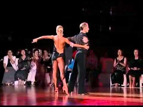 リカルド・コッキ&ユリア・ザゴルイチェンコ(Riccardo Cocchi & Yulia)ルンバ,社交ダンス動画