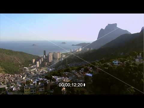 Stadtteilansicht von Rocinha Richtung dem Pedra de Gavea Felsen in Rio de Janeiro in Brasilien