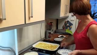 Как приготовить домашний пирог с черникой и яблоками
