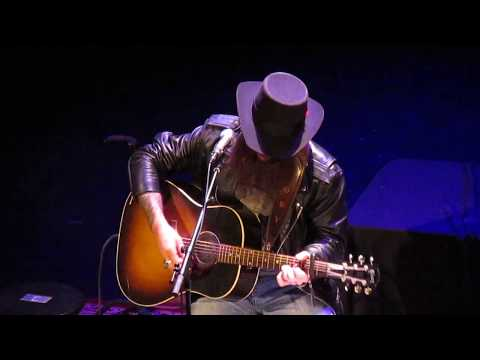"""Cody Jinks Performs """"Rock And Roll"""""""