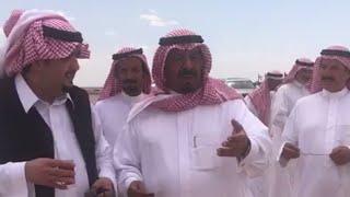 الامير عبدالعزيز بن فهد بالعاذريه شوفوا وش قال للخوي اللي معه