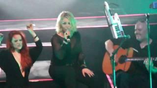 Kim Wilde - Sleeping satellite, Together we belong & Cambodia reprise @ La Cigale 18 03 2011