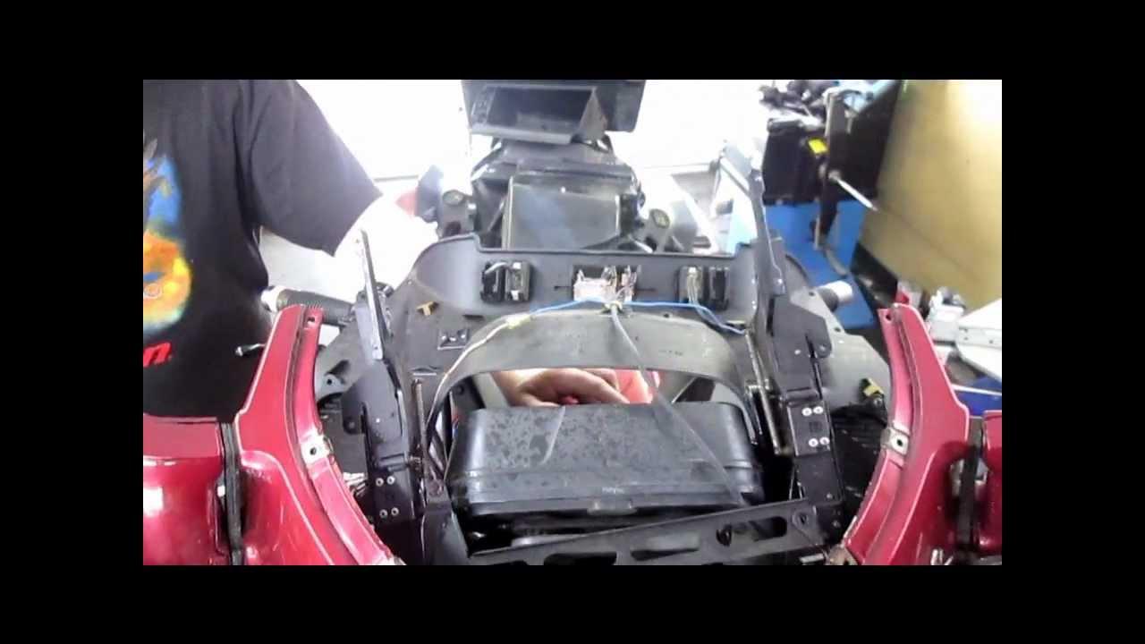 BMW Service - Electric Windscreen Repair for K75RT & K1100LT - YouTube
