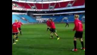 Kvinnelandslaget trener på Ullavaal før Belgia-kampen 25.september 2013