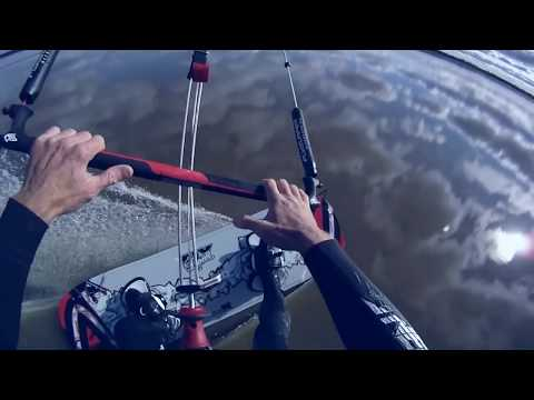 MIRRORS A FLAT WATER DREAM - Flysurfer Speed 3 Deluxe