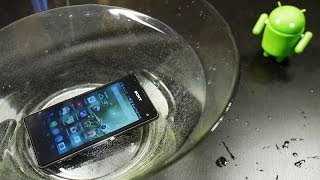 Обзор Sony Xperia Z1 Compact: вода и перчатки(Купить Sony Xperia Z1 Compact http://goo.gl/fsE2Fi Обзор Sony Xperia Z1 Compact: вода и перчатки Это видео про защиту IP58 (полная защита..., 2014-02-10T14:43:01.000Z)