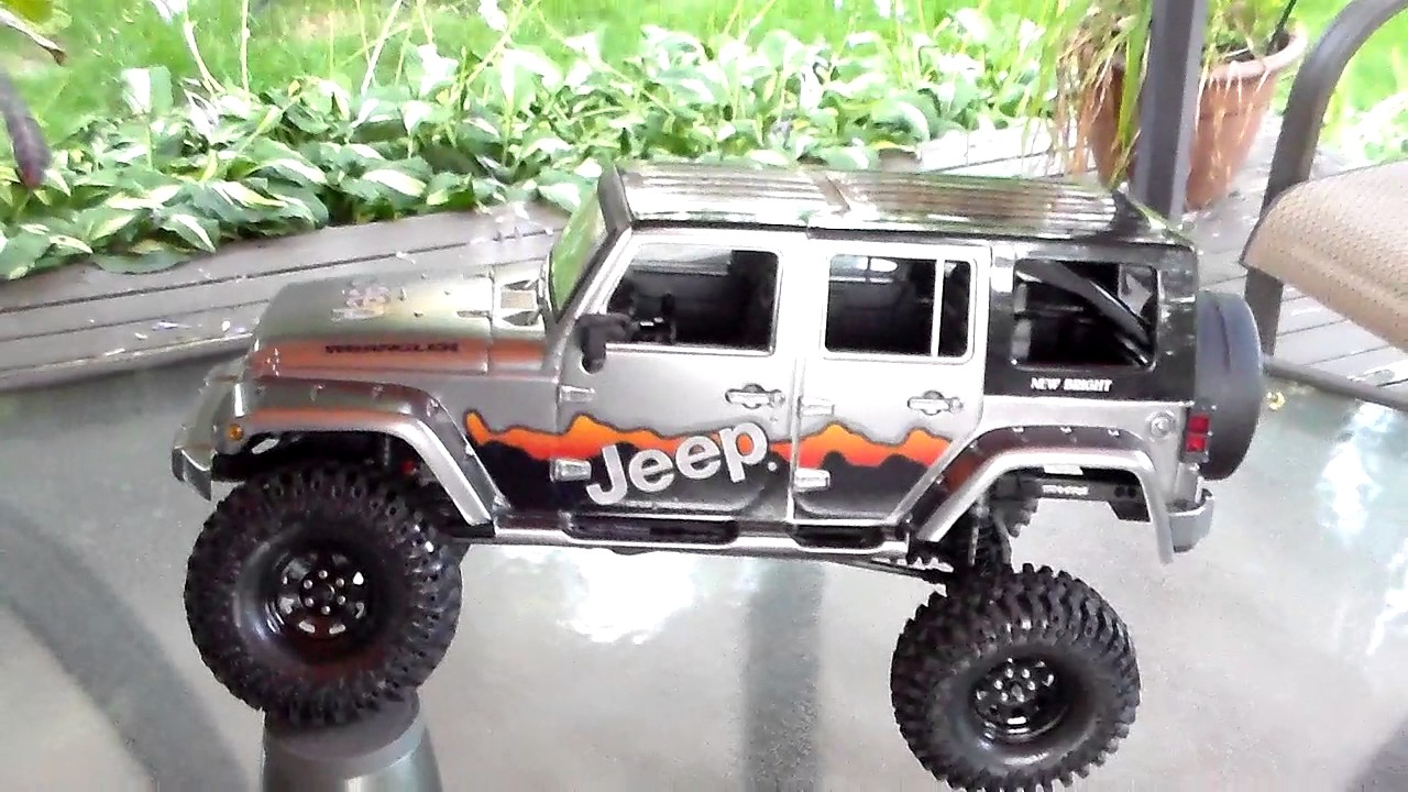 First Traxxas TRX-4 With New Bright Jeep Body July 20 2017